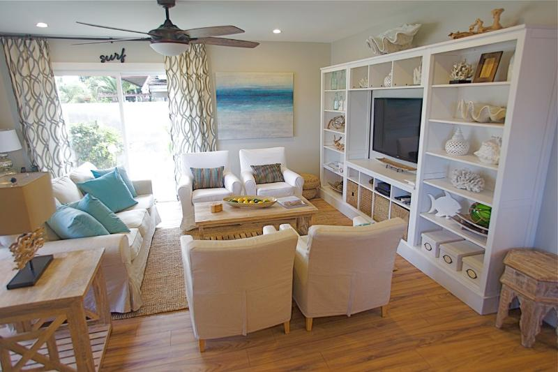 Stylish relaxed beach decor
