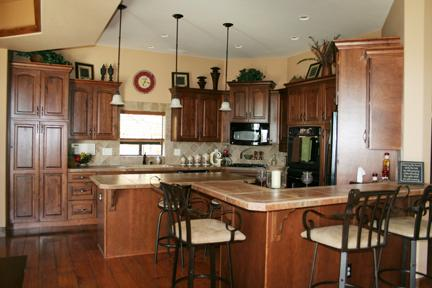 Great Kitchen with Double Oven and Cooking Appliances/Pots/Pans/Knifes/Etc.