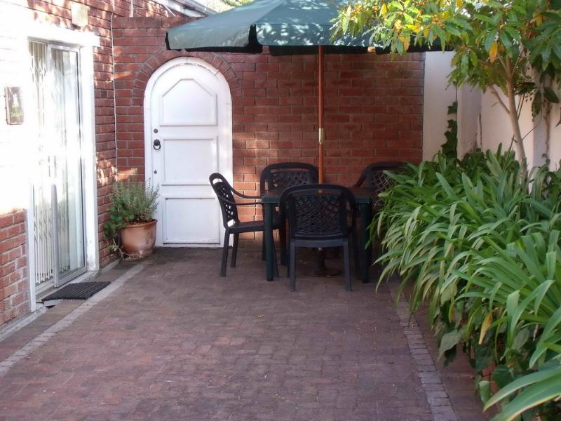 Paddaplek Patio & Entrance - Paddaplek- Self Catering & B&B-Constantia - Constantia - rentals