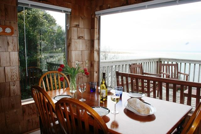 Dining with a Pacific View