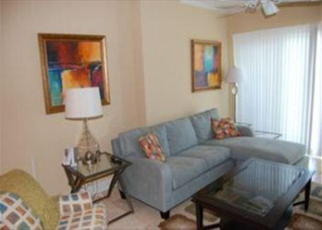 Living Room - Beautiful 2 Bedroom / 2 Bathroom Condo Directly on the Beach SB-610 - Biloxi - rentals