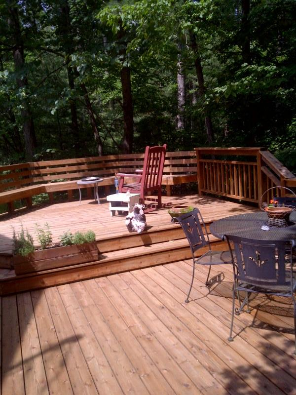 Side Deck perfect for entertaining