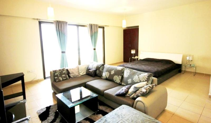 15 Spacious  studio near the beach in JBR, Rimal 4 - Image 1 - Dubai - rentals