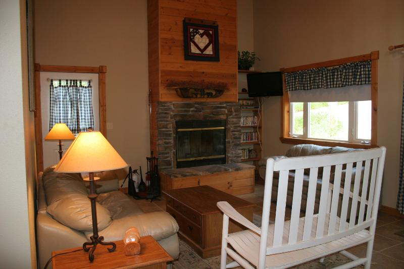 3 Bdrm/3 Full Baths, Sleeps 10, WiFi, Hot Tub - Image 1 - Lead - rentals