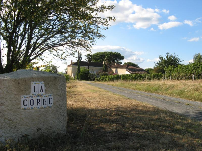 Welcome to Chateau la Corne