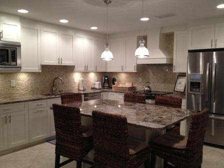 Kitchen and Dining Room - Poolside Large Garden Unit C - Sarasota - rentals