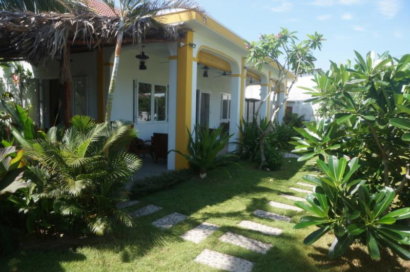B's Beach Bungalow