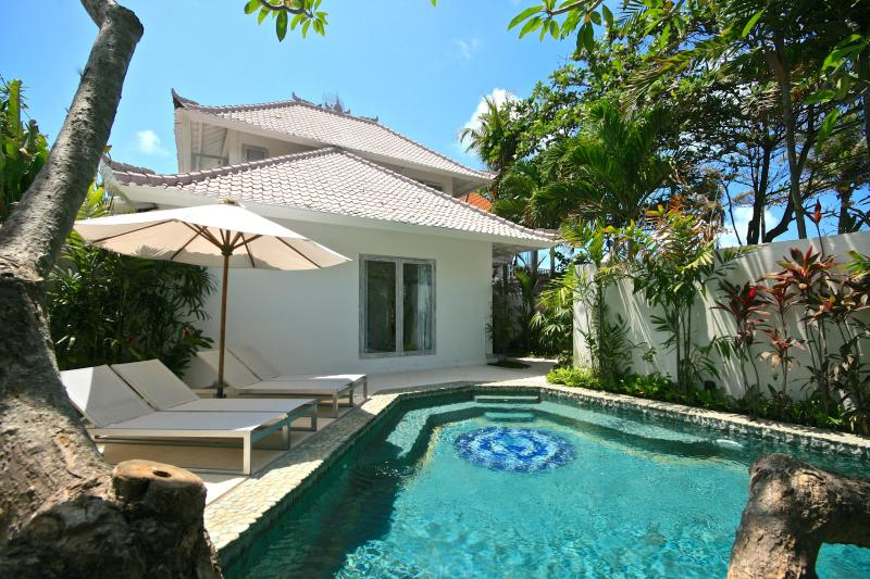 Private pool with house in the background - 2 Bedroom Beach House only 30 meters from sea!! - Canggu - rentals