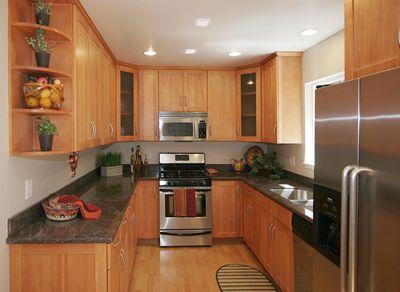 Upgraded Kitchen w/Stainless Steel Appliances