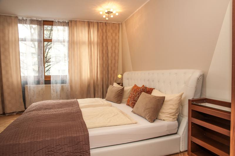 Westpark Apartment (2 Bedrooms-2 bathrooms)Munich Centro - Image 1 - Munich - rentals