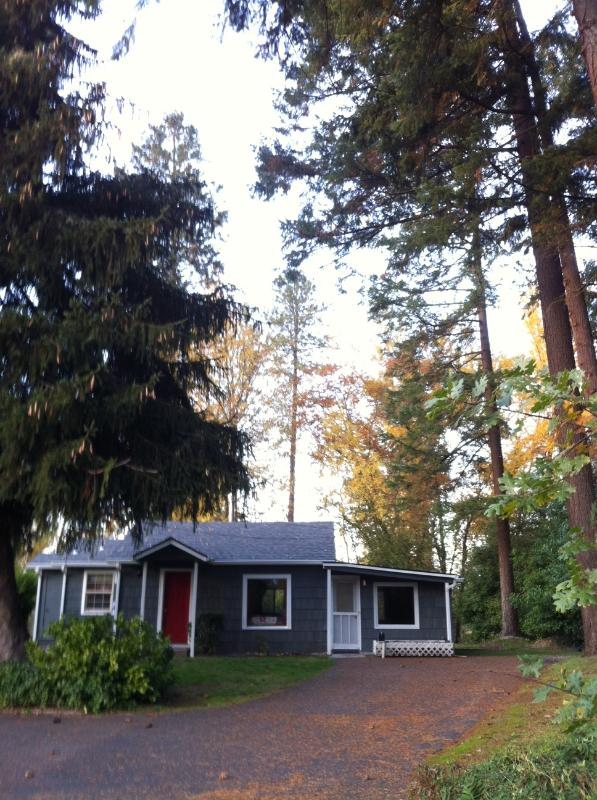 Casey's Rogue River Cottage