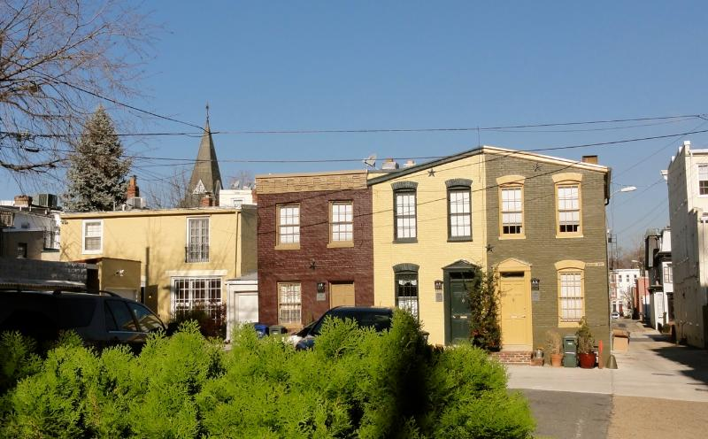 Carriage House as viewed from East Capitol Street (carriage house is on left)