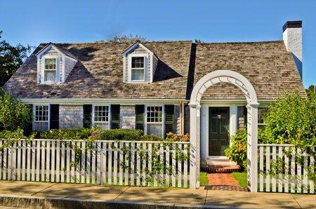 EDGARTOWN VILLAGE COMPOUND WITH GUEST HOUSE AND POOL - EDG SRYA-15 - Image 1 - Edgartown - rentals