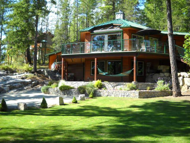 Open beam cedar home surrounded by an acrea of forest with view of Garden Bay Lake - West Coast gem above beautiful mountain lake. - Garden Bay - rentals