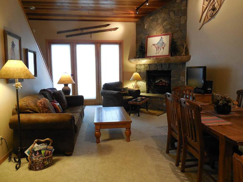 Living Room - Cozy Luxury Ski-In Ski-Out Townhouse - Big Sky, MT - Big Sky - rentals