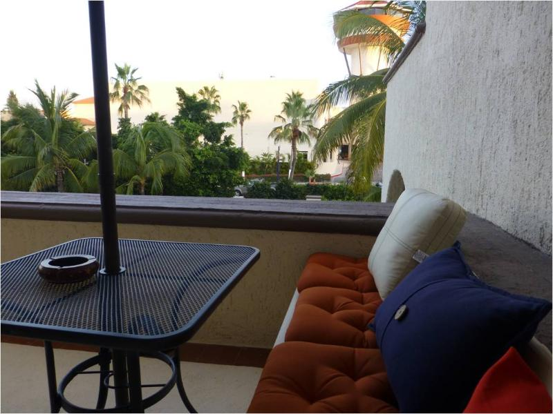 Relax in the balcony - Cozy Mexican Paradise - 1BD Condo - San Jose Del Cabo - rentals