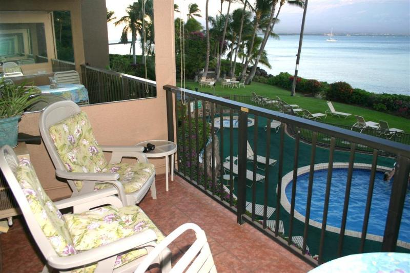 Your private lanai with comfortable seating