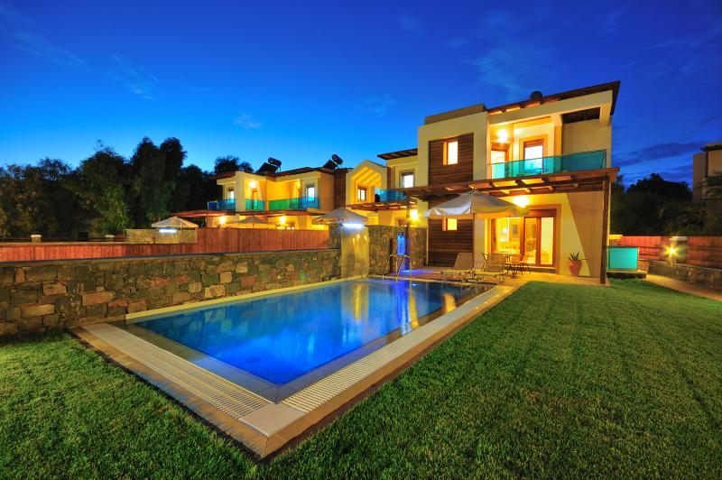 Erato by night - Horizon Line Villas - Luxury Villa - Private Pool - Kiotari - rentals