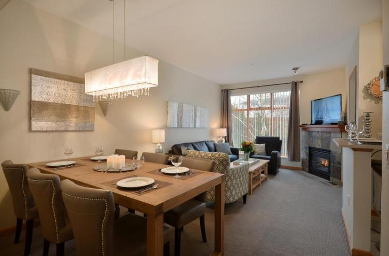 Northstar 10 - Designer Townhome. Spacious, Bright and Luxuriously Equipped