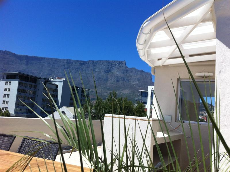 Bar on the roof terrace with view of Table Mountain