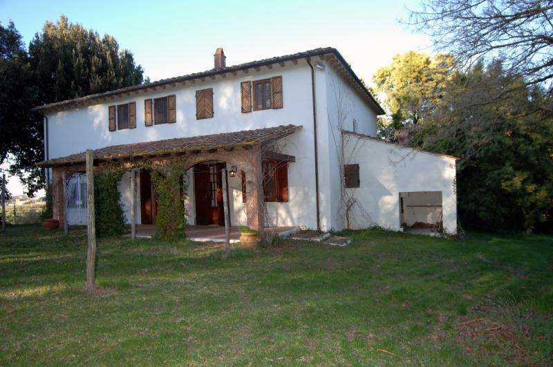 Tuscany Farmhouse - Image 1 - Collesalvetti - rentals