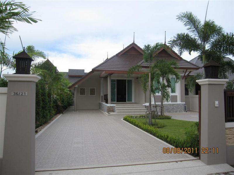2 Bedroom Central & Convenient Villa in Cha-Am - Image 1 - Cha-am - rentals