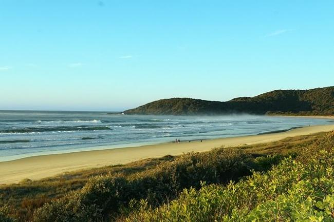 Numerous beaches including Delicate Nobby, Big Hill, Sunset, Racecourse and many others