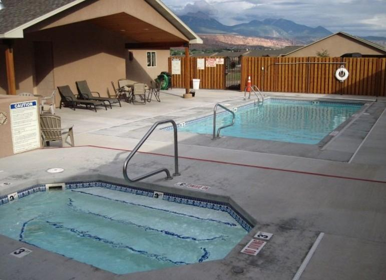 Pool, Hot Tub and Rec Room with Ping Pong
