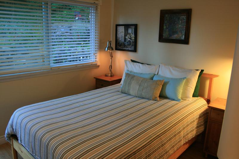 This bright and cozy Guest Suite is ready for your visit!