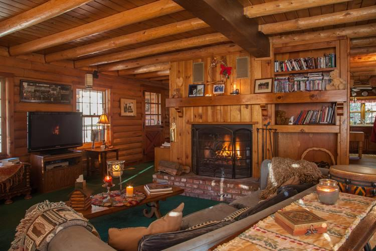 Cuddle by the fire, read a book, watch a dvd or listen to music on the surround sound stereo.