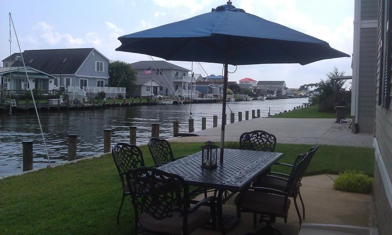 Patio dining and waterfront docking