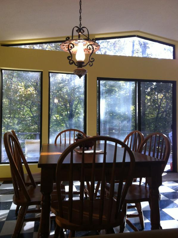 Dining  - Secluded Cottage, close to Franklin, Nashville, - Franklin - rentals