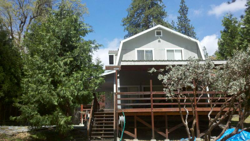 Home Sweet Cabin, Super clean and fully furnished.  Large covered patio overlooking creek and forest