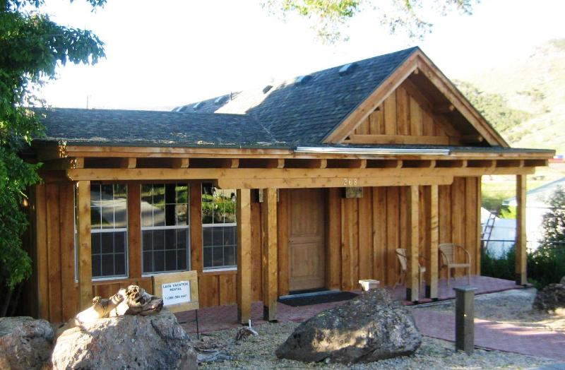Front view Rustic Cabin