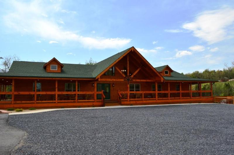 The Lodge at Hawksbill Retreat