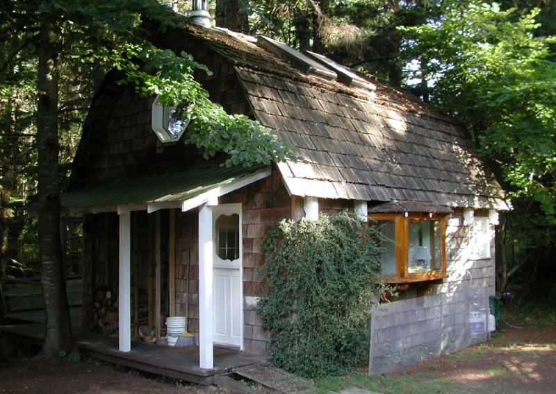 A quiet, charming and restful cabin.
