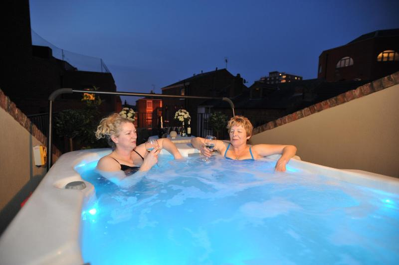 Roof Terrace Jacuzzi