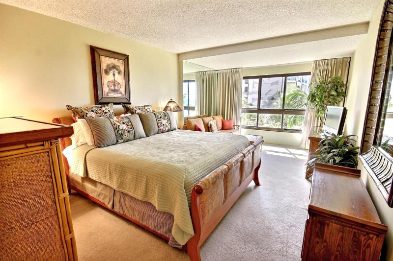Large master bedroom with King size bed, queen size sofa bed and Ocean Views.