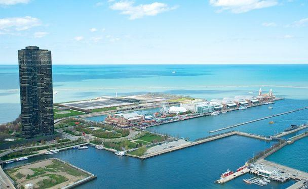 Views of Lake Michigan and Navy Pier from all windows