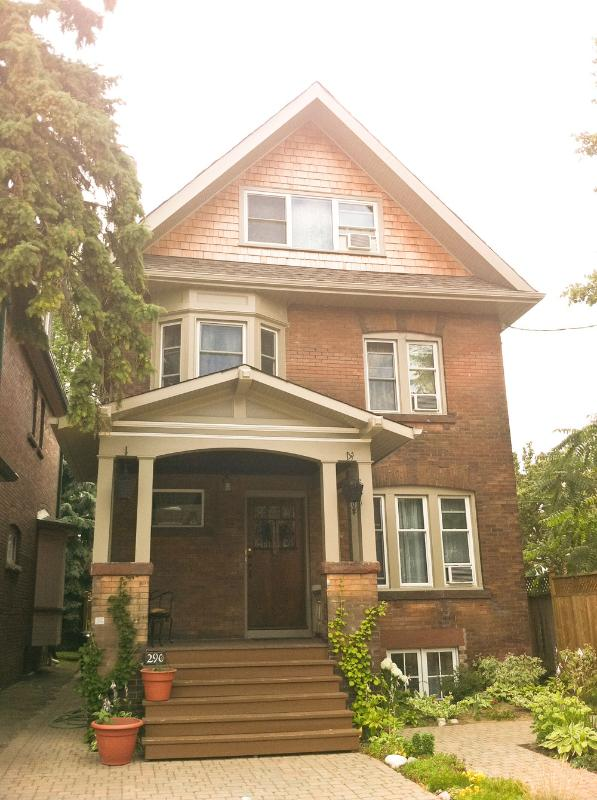 290 Roncesvalles Ave.