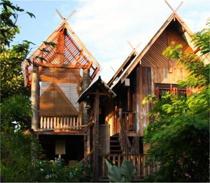 BaanBooLOo Thai Traditional Guesthouse in Chiang Mai - Teak House - Vacation Home
