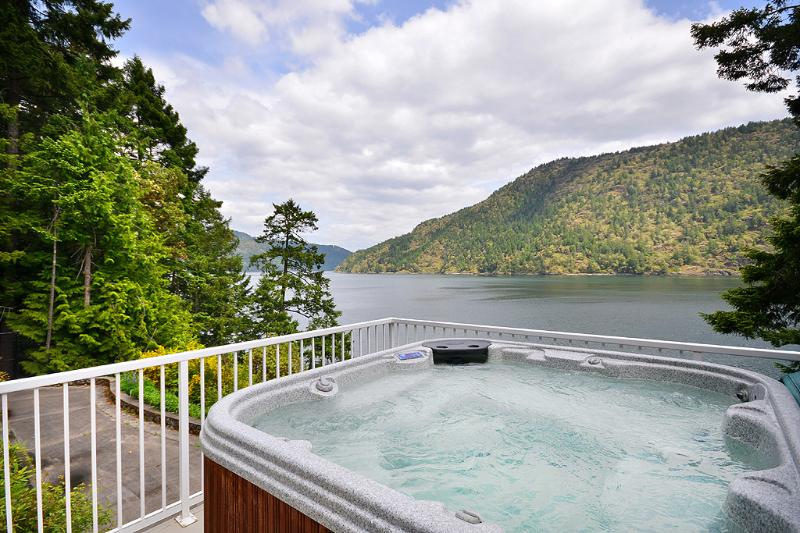 Heavenly views from hot tub.