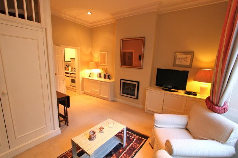 Ennismore Gardens, (IVY LETTINGS). Fully managed, free wi-fi, discounts available - Image 1 - London - rentals