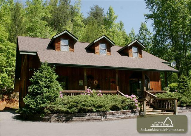 ADVENTURE LODGE - Image 1 - Gatlinburg - rentals