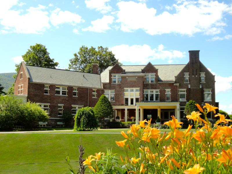 The Wilburton Mansion: 15,000 square foot mansion, 10 bedrooms, 10 bathrooms & formal rooms