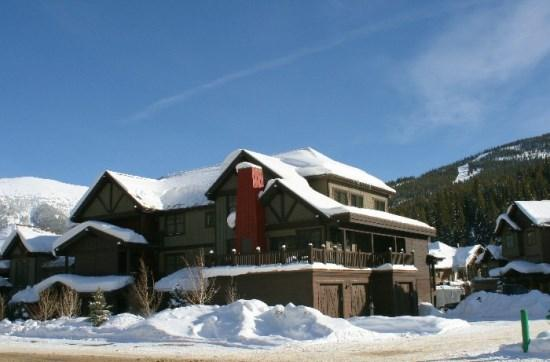 Exterior of Cache at Union Creek