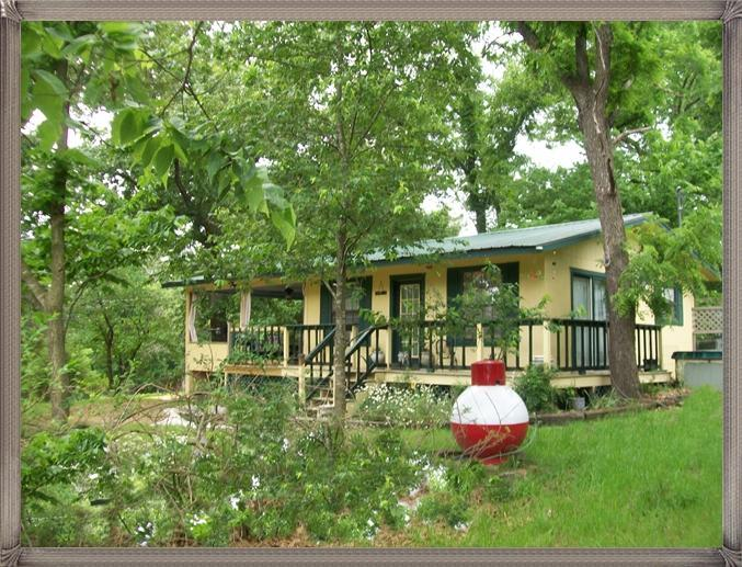 Beaver Lake At Rogers Arkansas, The Best Place For A Lake Vacation Rental Cabin  & City Life Is Near