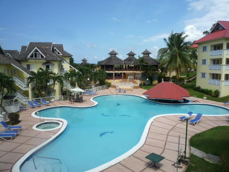 1 Bed Apart. sleeps 4  Mystic ridge resort Ocho - Image 1 - Ocho Rios - rentals