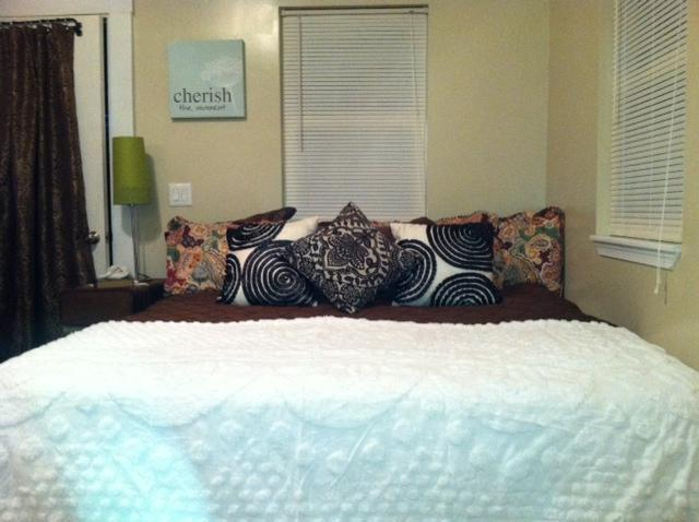 King size bed - Just For Two: Studio Apt. - Rehoboth Beach - rentals