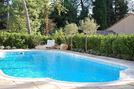 Romantic Villa Racine has vast private gardens with pool and outdoor dining - Image 1 - Valbonne - rentals